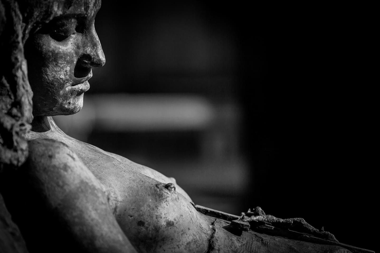 sleeping-beauty-cemetery-funerary-art.jpg