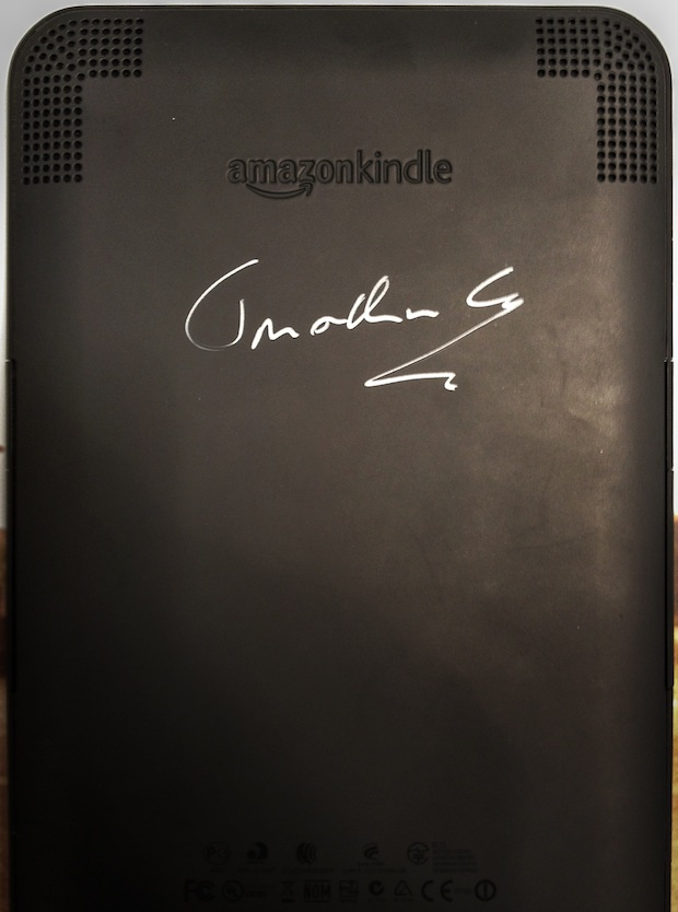 jonathan-coe- signing-on-a-kindle