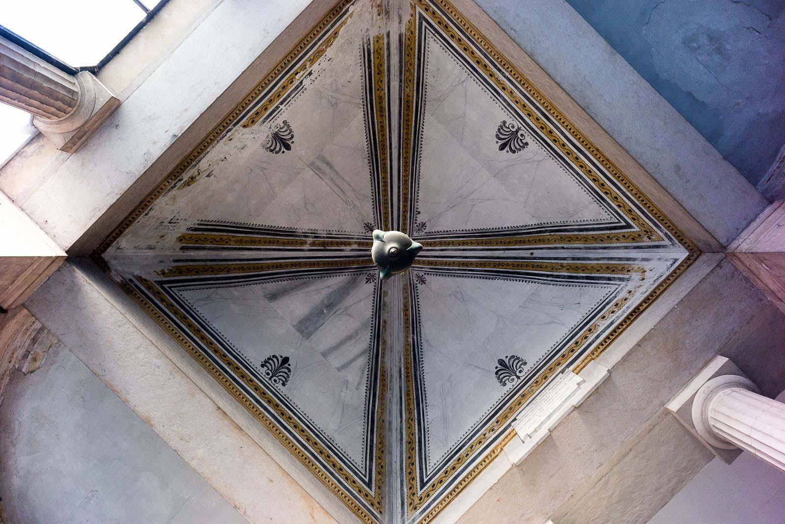 particolare-cimitero-monumentale-di-milano.jpg
